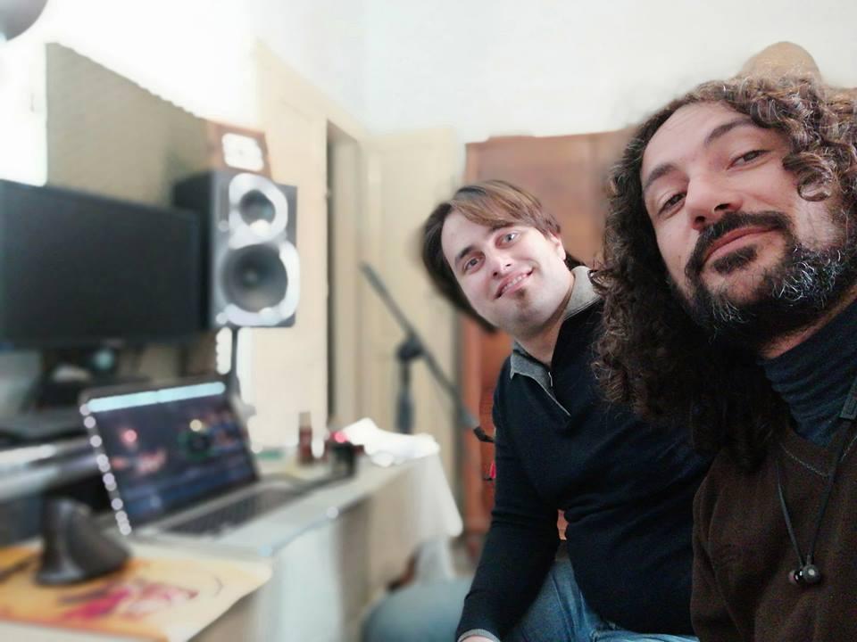 Francesco Loccisano e Marcello De Carolis al lavoro per la preparazione del metodo base per chitarra battente