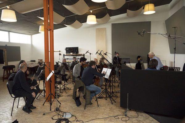 """L'ensemble che ha inciso il """"Concerto di Matera"""" composto da Angelo Gilardino per chitarra battente e orchestra"""
