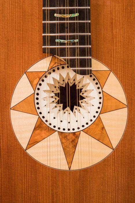 La rosetta della chitarra battente Oliver