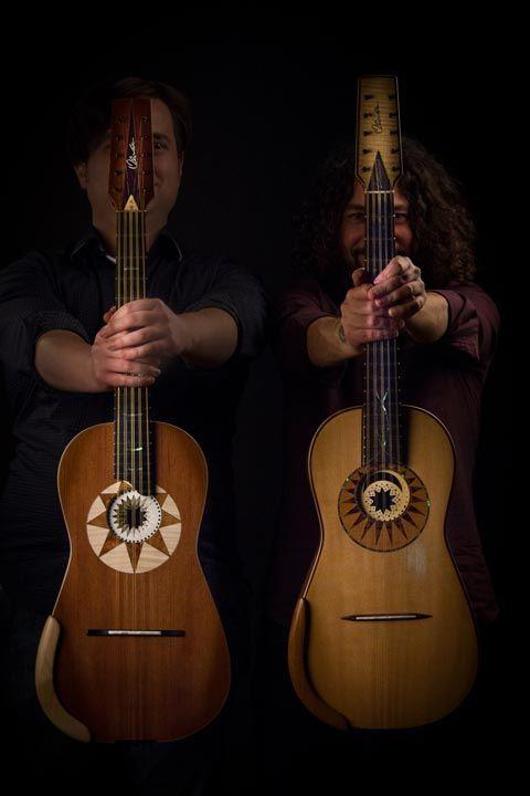 Duo di chitarra battente Loccisano De Carolis