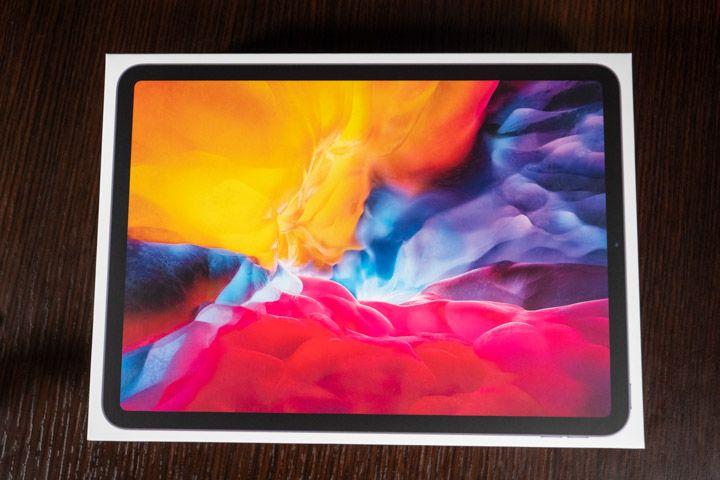 Confezione di unboxing iPad Pro 2020