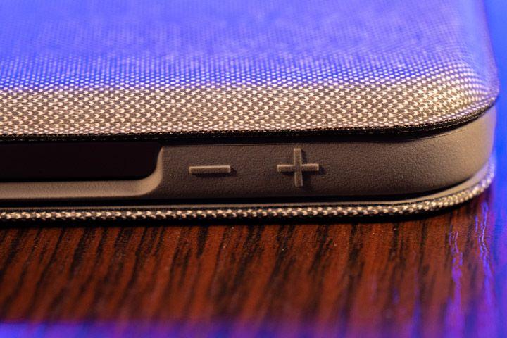tasti ricoperti della tastiera con trackpad per ipad pro di logitech