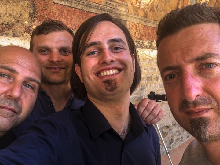 Marcello De Carolis Vito D'Andrea Luciano brancati e Luca Fabrizio nel backstage di Tico tico