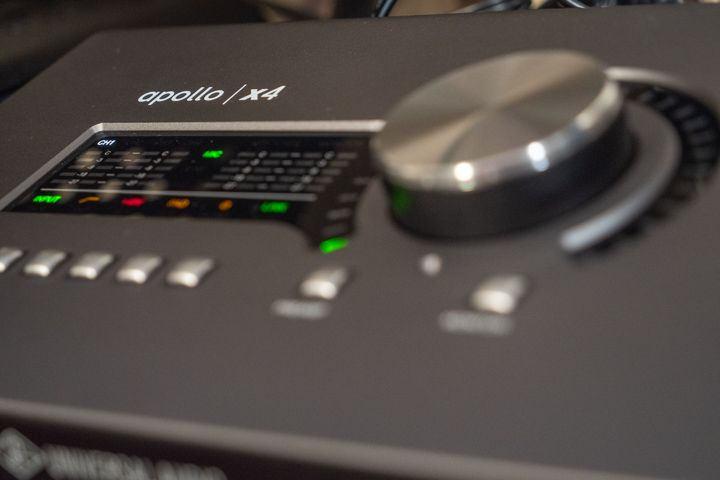 Apollo x4 universal audio