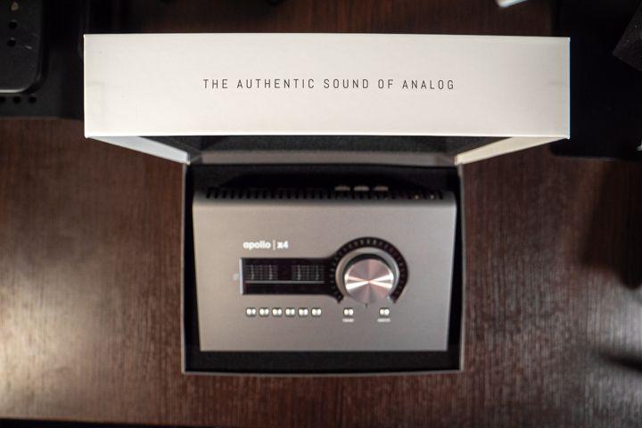 la scatola aperta con la Apollo x4
