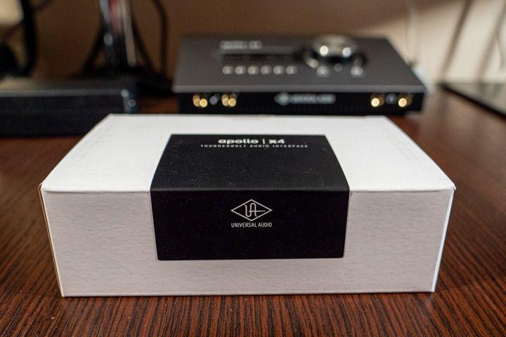 Scatola del trasformatore di universal audio