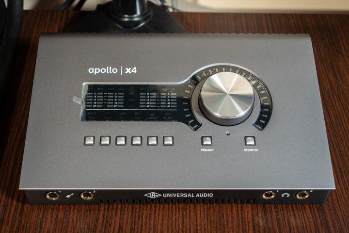 Facciata anteriore della Apollo x4