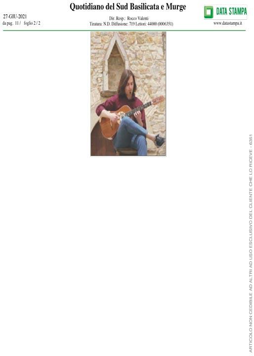 Quotidiano del sud Basilicata e Murge videoclip Spain Marcello De Carolis chitarra battente