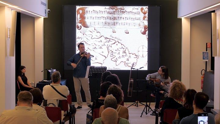 Concerto di violino e chitarra a potenza a palazzo della cultura