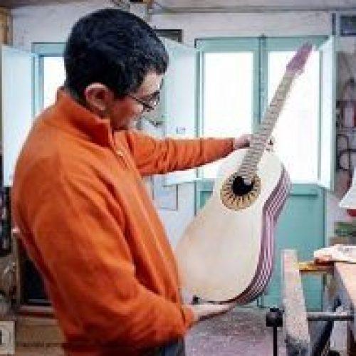 Sergio Pugliesi della Oliver Guitar Lab di Scilla